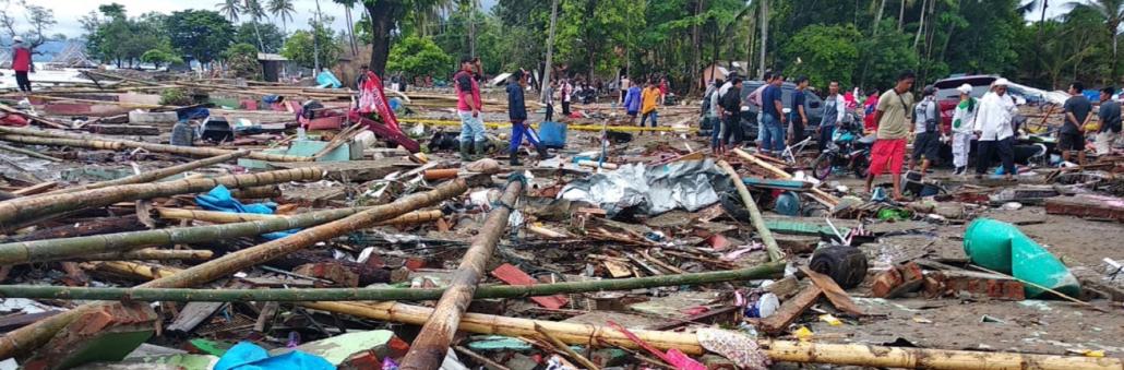 Een tsunami op Java heeft enorme schade veroorzaakt