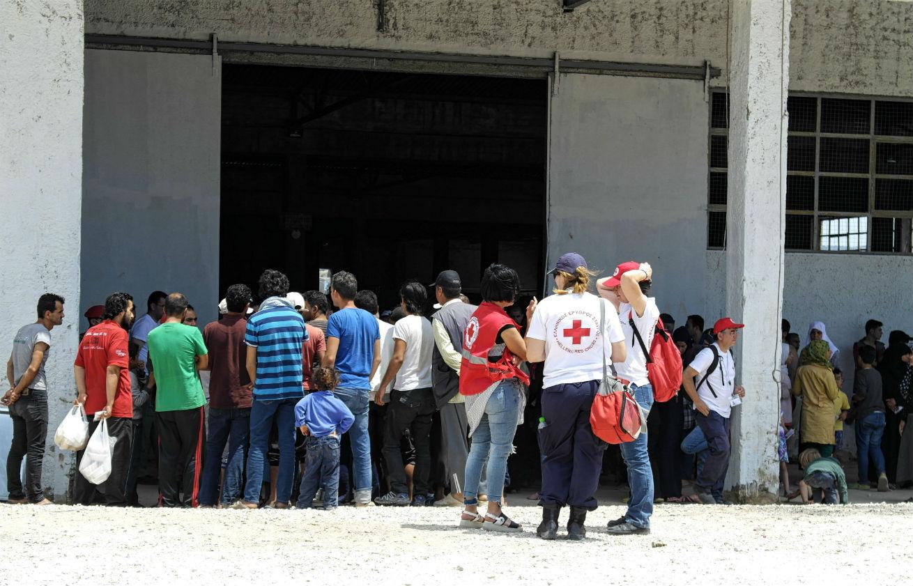 Vluchtelingen-wachten-in-Griekenland