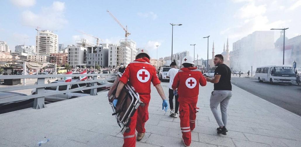 Het-Libanese-Rode-Kruis-verleent-medische-hulp-1030x503