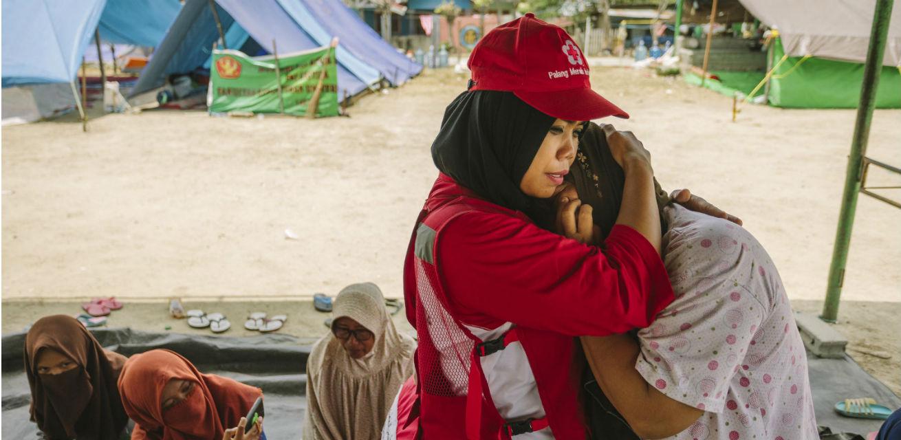 hulpverlener rode kruis sulawesi