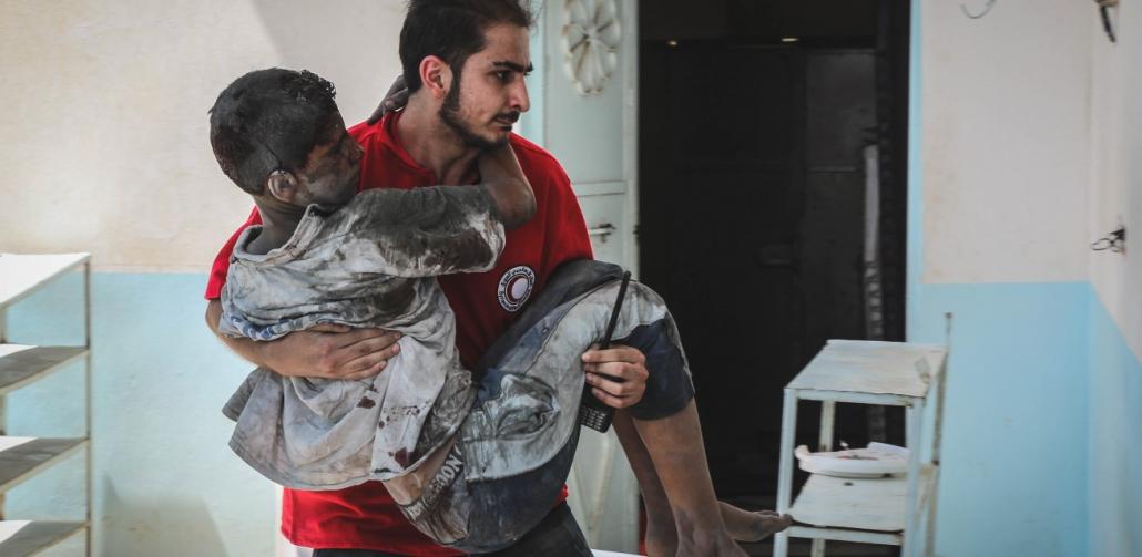 rode-kruis-helpt-vluchtelingen-in-syrie-met-medische-zorg
