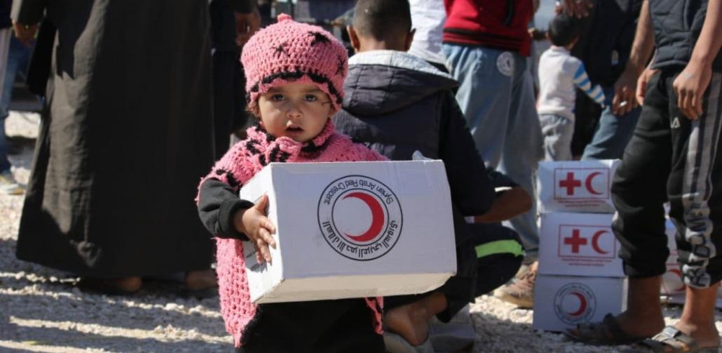 rode-kruis-helpt-vluchtelingen-in-syrie-met-voedselpakketten