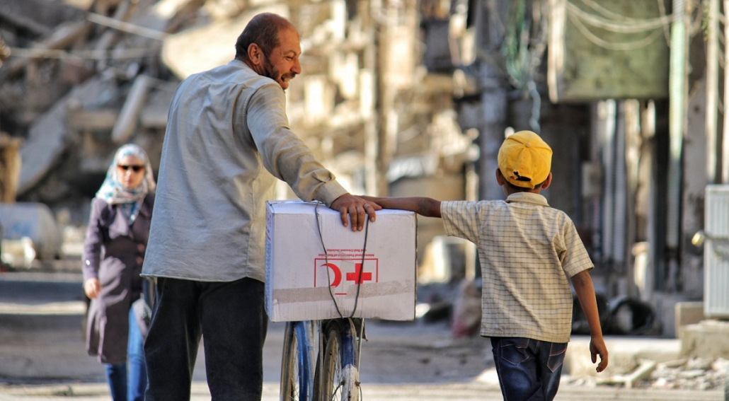 rode-kruis-hulp-wereldwijd-vader-en-zoon-in-syrie