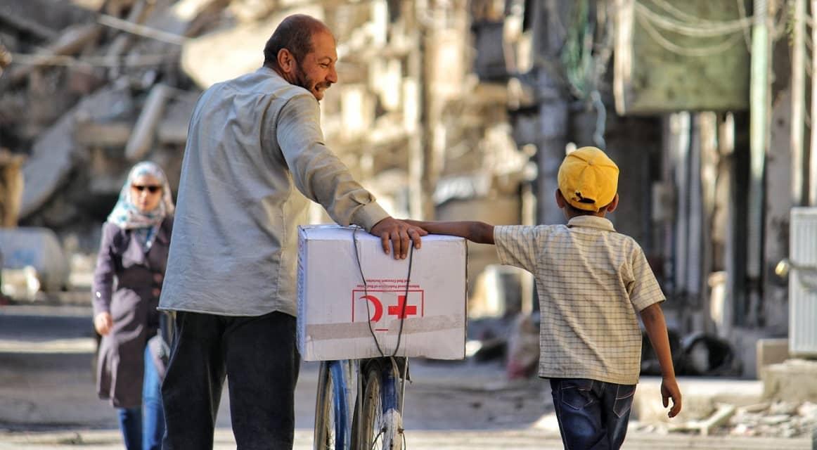 vader-en-zoon-in-syrie-hulp-wereldwijd-stichtingen-en-vermogensfondsen (1)