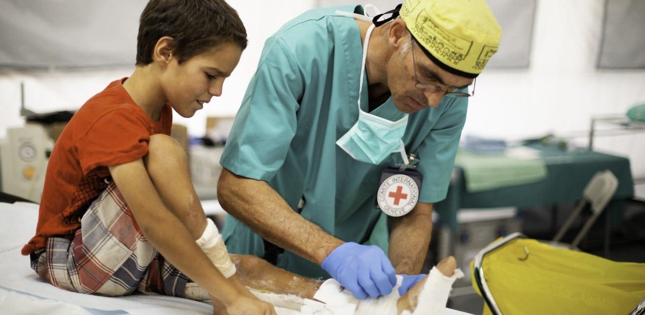 Rode Kruis verleent medische hulp in conflictgebieden