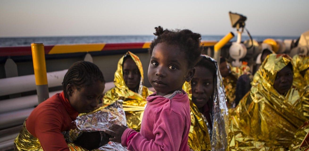 vluchtelingen op de middellandse zee Rode Kruis